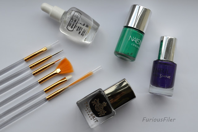 nailbox september 2015 halloween polish brushes