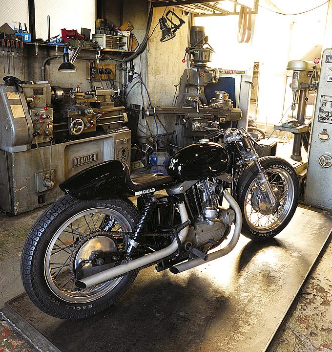 Rude gallery iron cafe rocketgarage cafe racer magazine for Garage custom moto