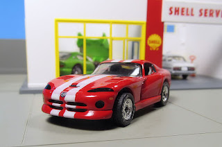 Matchbox rubber tires Dodge Viper GTS