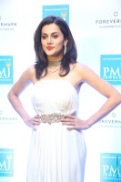 taapsee pannu launches forevermark diamond collection 15.jpg