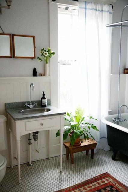 bathroom design idea with plants