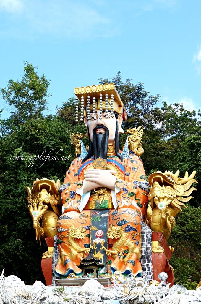 Hat yai cable car temple