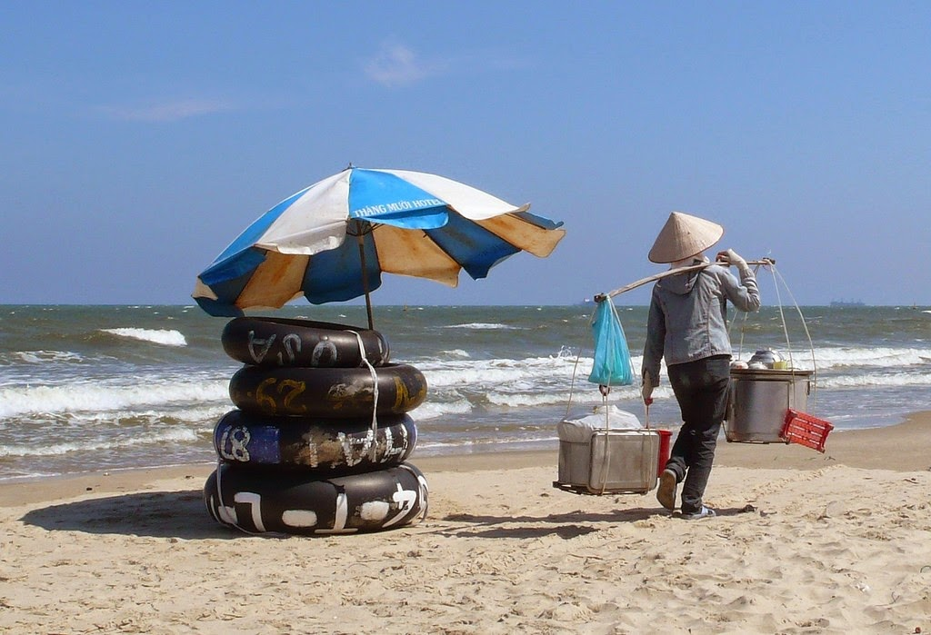 Vung Tau, a favorite beach of Southern people 22