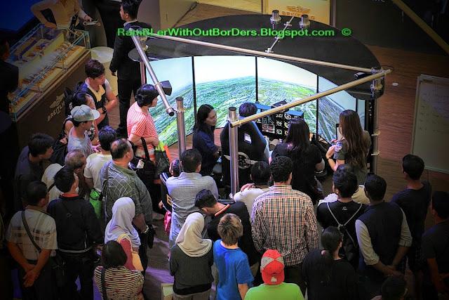 Flight simulator, Petronas Twin Tower, Suria KLCC, KL, Malaysia