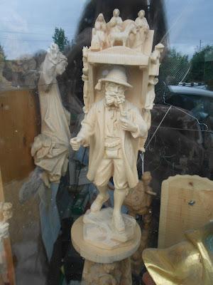 Kraxentrager statue