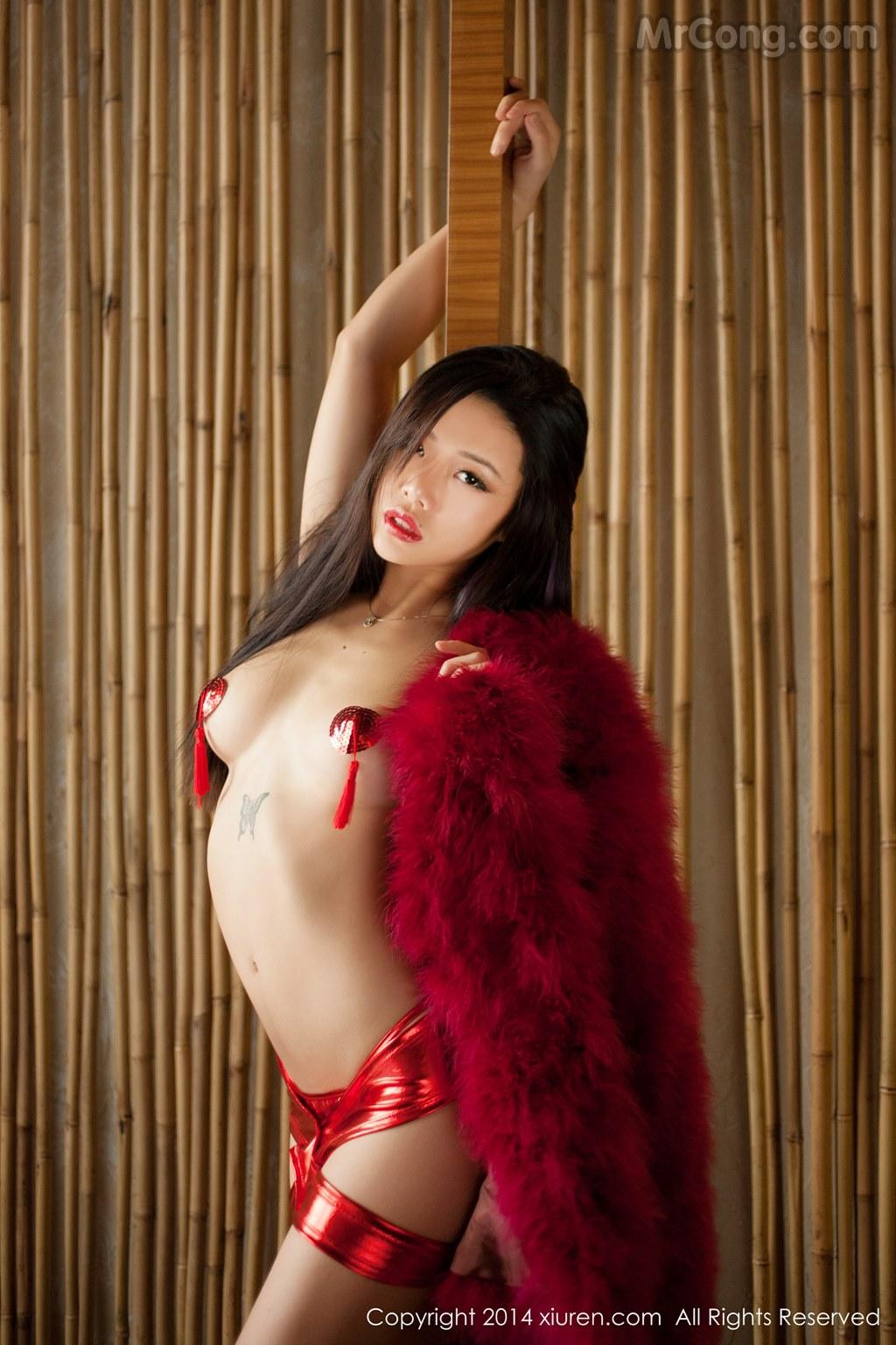 Image MrCong.com-XIUREN-No.147-Luvian-Ben-Neng-038 in post XIUREN No.147: Người mẫu Luvian (本能) (62 ảnh)