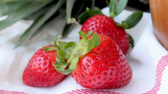 Buah strawberry mengandung zat antioksidan lengkap
