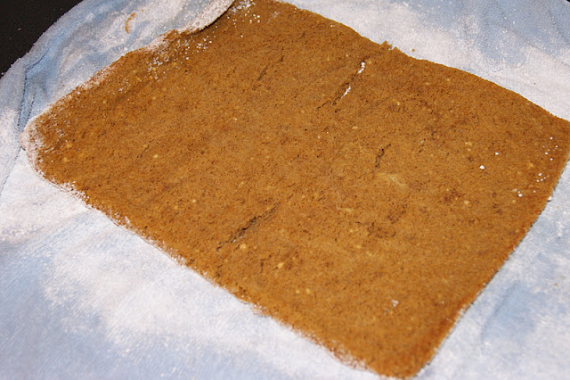 How to Make Pumpkin Cake Roll