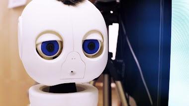 El robot que enseña a bebés sordos/as a comunicarse