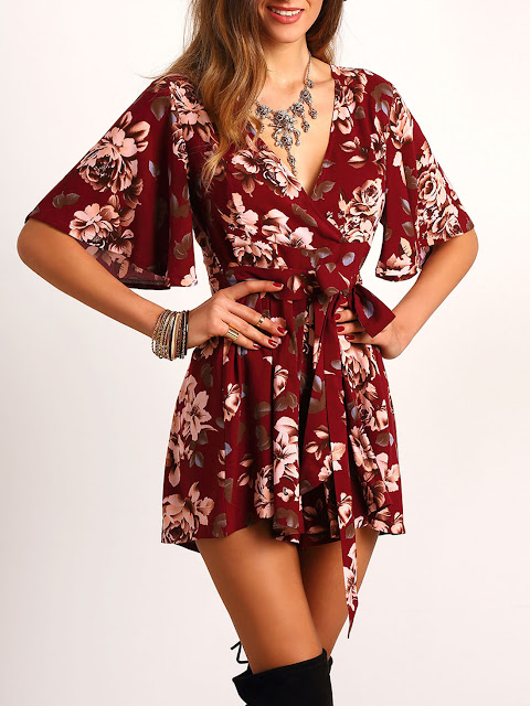 http://it.shein.com/Red-V-Neck-Floral-Tie-Waist-Jumpsuit-p-261913-cat-1860.html?utm_source=unconventionalsecrets.blogspot.it&utm_medium=blogger&url_from=unconventionalsecrets