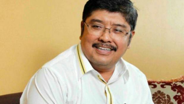 NH Penandatangan Pertama Hak Inisiatif DPR untuk Pembentukan Sulbar
