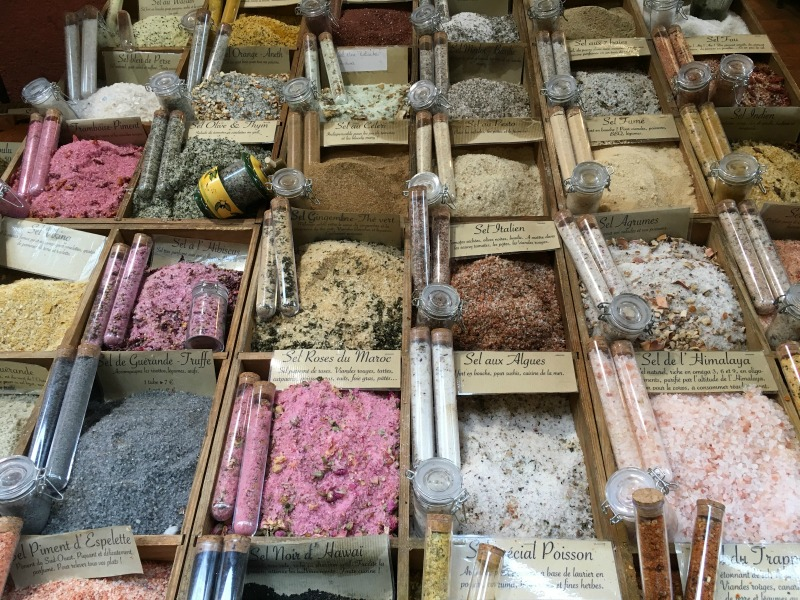 bancarella di sali aromatici a nizza