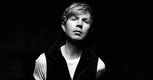 "Beck: la cover di ""Can't Help Falling In Love"" di Elvis"