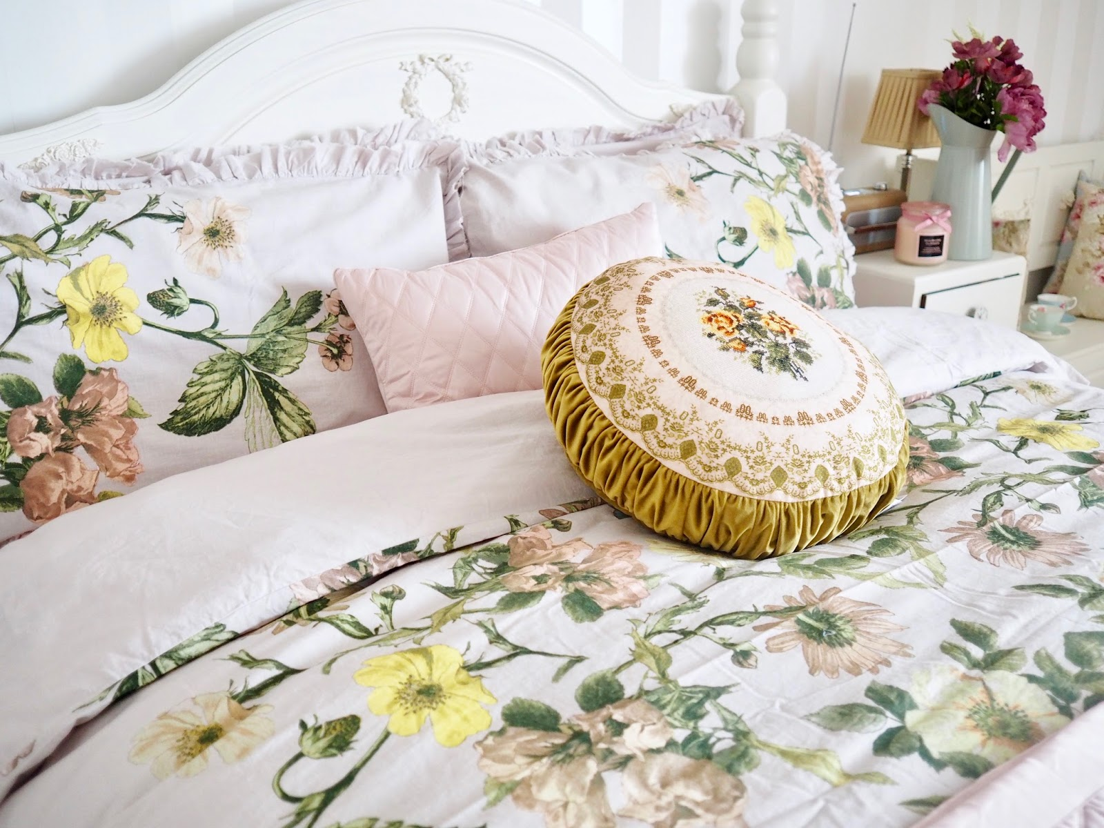 ... getting the wallpaper striper out is to simply change your bedding. Today I have teamed up with Marks & Spencer to share my new Spring sheets and decor.