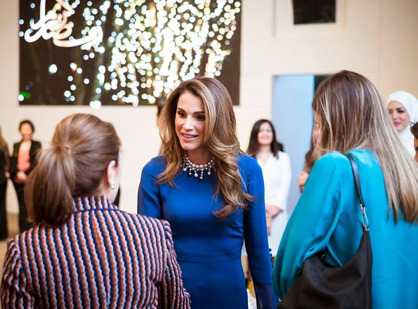 Queen Rania wore Prabal Gurung Bell Sleeve Silk Midi Dress with Asymmetric Skirt. She wore Fendi bag and shoes,wore a pearl necklace.