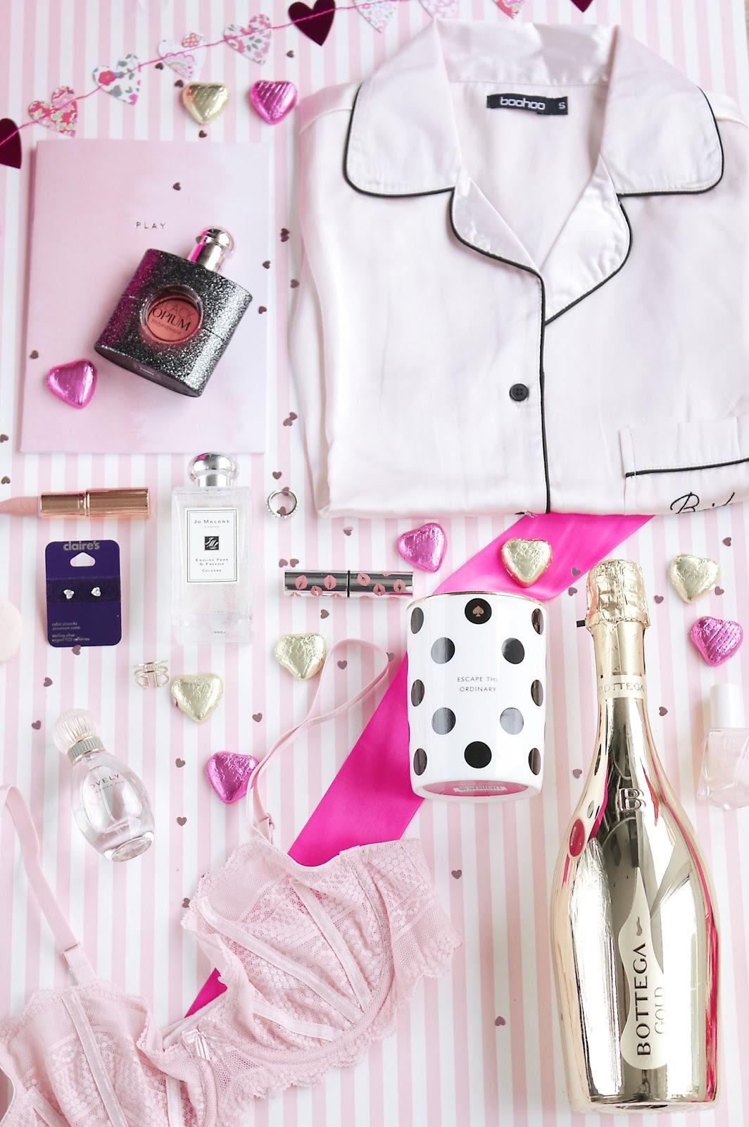 Lifestyle, Valentine's day, Valentine's Gift Guide, Gift Guide, what to buy for valentines day, gifts for valentines day, what to buy your girlfriend for valentines day, kate spade, bottega, charlotte tilbury,