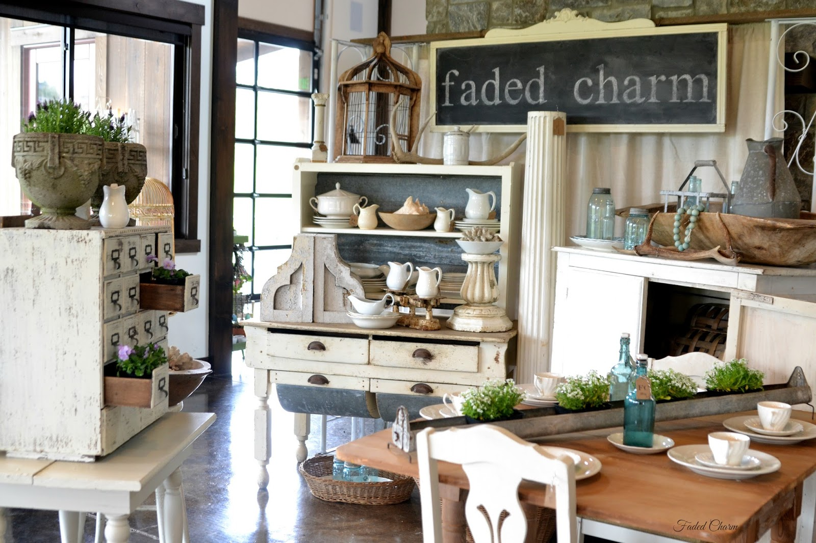 Faded Charm Vintage Farmhouse Style