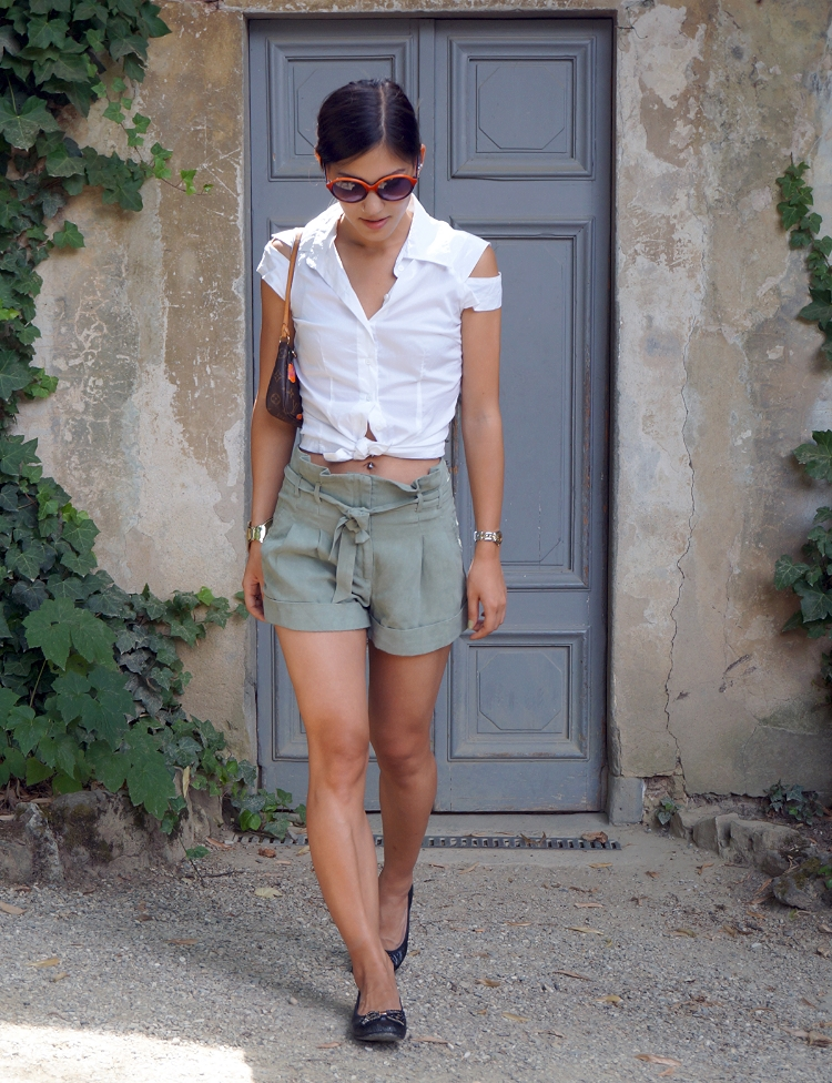 Euriental - fashion and travel, green suede shorts, Florence, Italy, Boboli Gardens