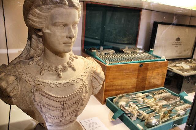 Palatul Hofburg - Colecția de porțelan și argintărie, bustul împãrãtesei Sissi