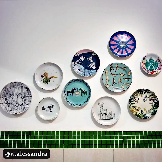 decoration- plates- on- the-wall