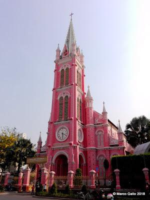 IGLESIA DEL SAGRADO CORAZÓN DE JESÚS. SAIGÓN, VIETNAM