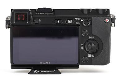 Sunwayfoto PS-N7 on SONY NEX-7 back view