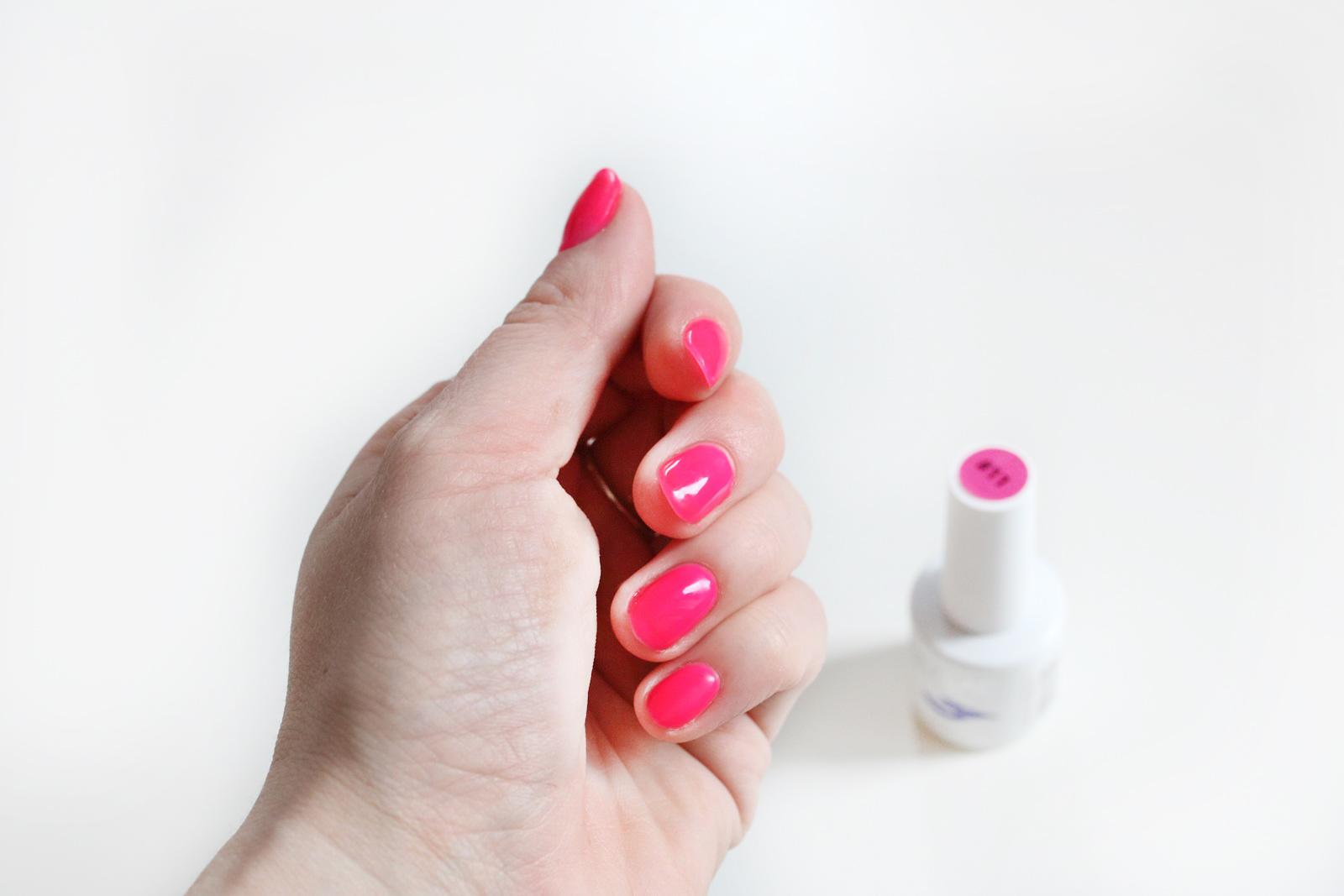 neonowy lakier hybrydowy Realac Neon Collection nr 11czyli kolor w akcji!