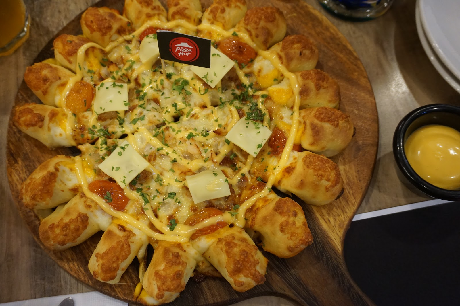 PIZZA HUT MALAYSIA KEMBALI DENGAN PIZA CHICKEN CHEESY BITES BARU #PIZZAHUTSIAPAKENA