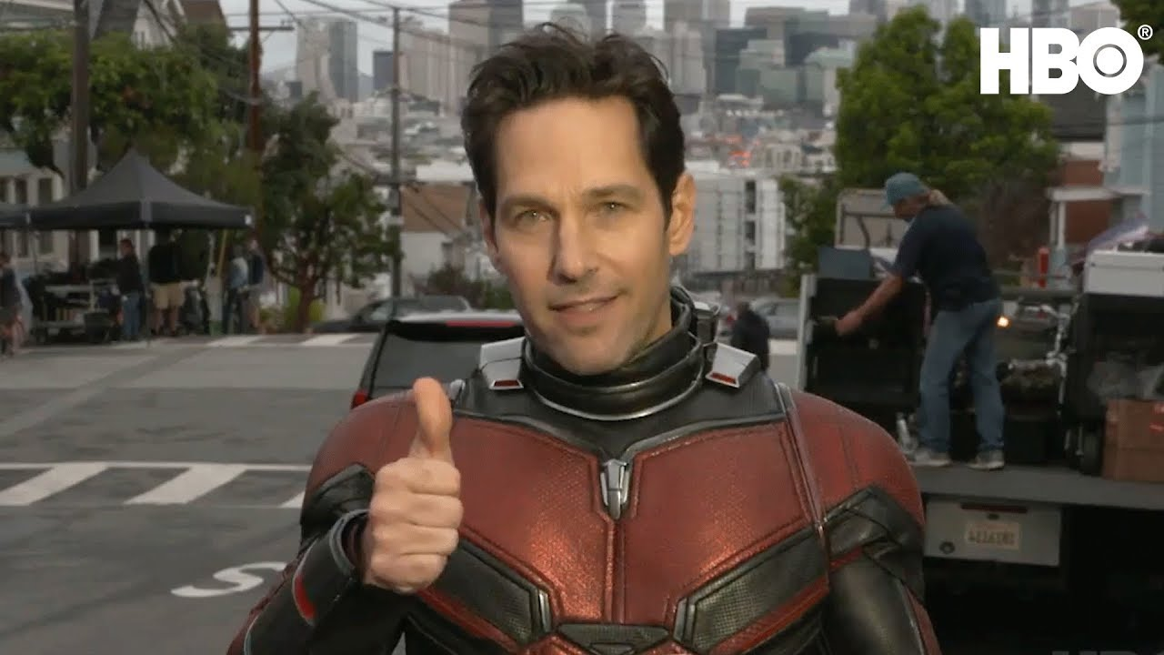 Ant-Man and the Wasp : Paul Rudd Shows Scott Lang New Suit.