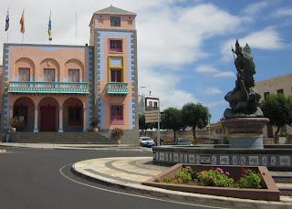Town centre and Ayuntamiento de Tazacorte Town Hall