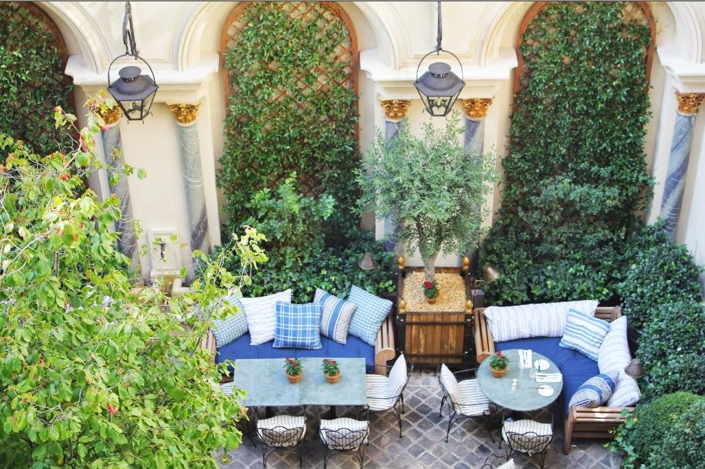A library of design gardens in green and white - Ralph lauren restaurant paris ...