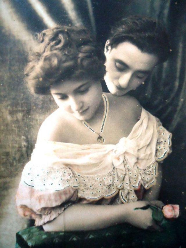 83b265d089 Η αγάπη 100 χρόνια πριν. Δείτε τις φωτογραφίες.