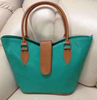 V shape Manilla style bag
