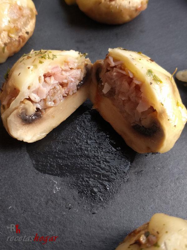 Deliciosos champiñones rellenos de queso y jamón