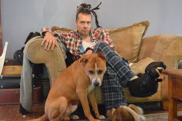 Chuck Mosley, ex-vocalista do Faith No More, morre aos 57 anos