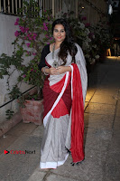 Bollywood Actress Vidya Balan Pos in Saree at Live in Conversation With Renil Aham  0005.jpg