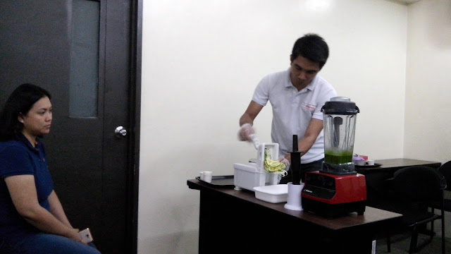 Vitamix is the choice of top brands like Starbucks, Jamba Juice, Razon's, McDonald's USA, among others. It's available in Rustan's and direct sellers like here in Healthy Eats. Demo on how to use the Spiralizer (making zucchini noodles).
