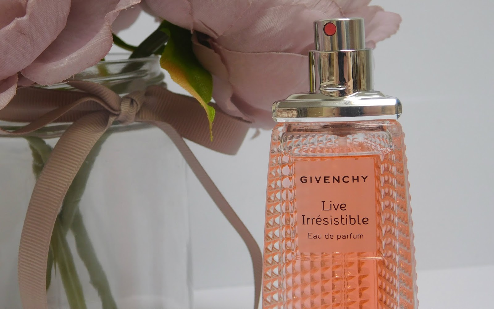 Givenchy - Live Irresistible