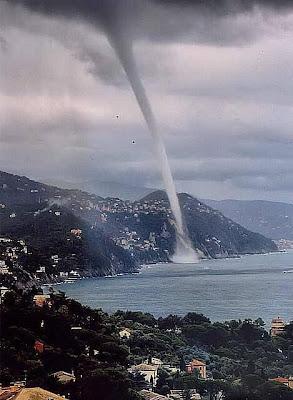 Increíble fenómento natural en Liguria, Italia.