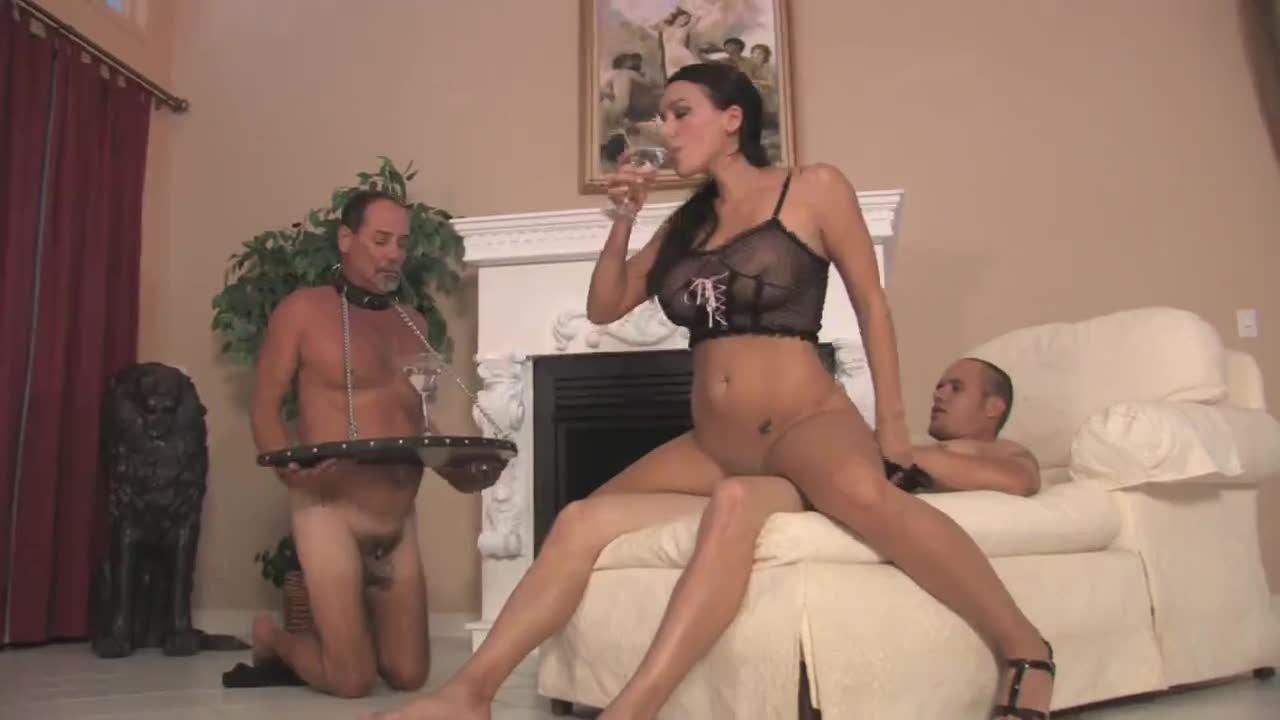 издеваюца смотреть мужьями жены онлайн над