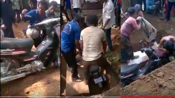 Video Jenazah Dikubur Dengan Motor Yang Hebohkan Netizen