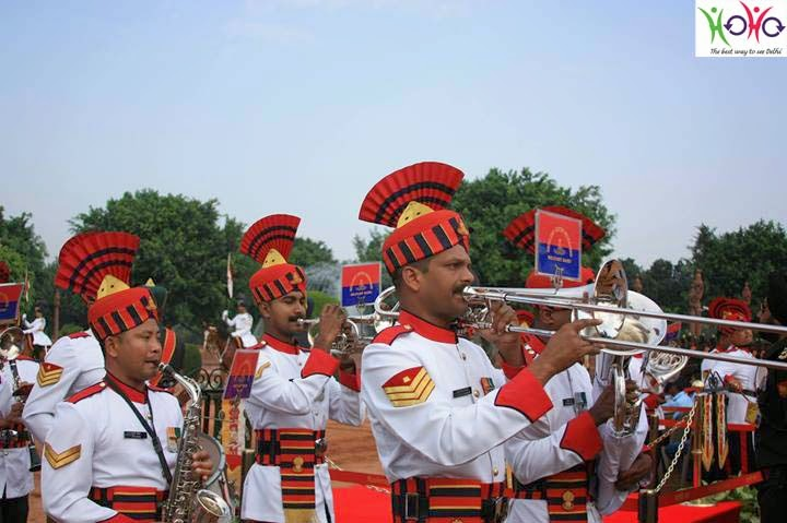 Change of guard ceremony in the President's Estate, Rashtrapati Bhawan with HOHO bus
