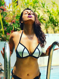 Kashmeera Shah in Bikini Selfies ~  Exclusive 003.jpg