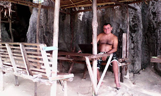 Picture of Rafael Martinez-Minuesa working remotely from Coron
