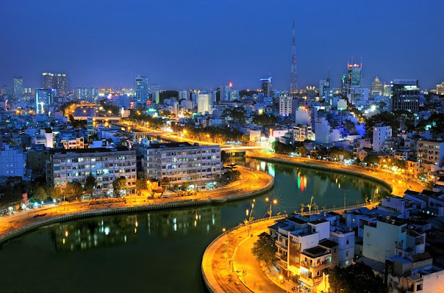 What city in Vietnam will be an ideal travel destination for you? 8
