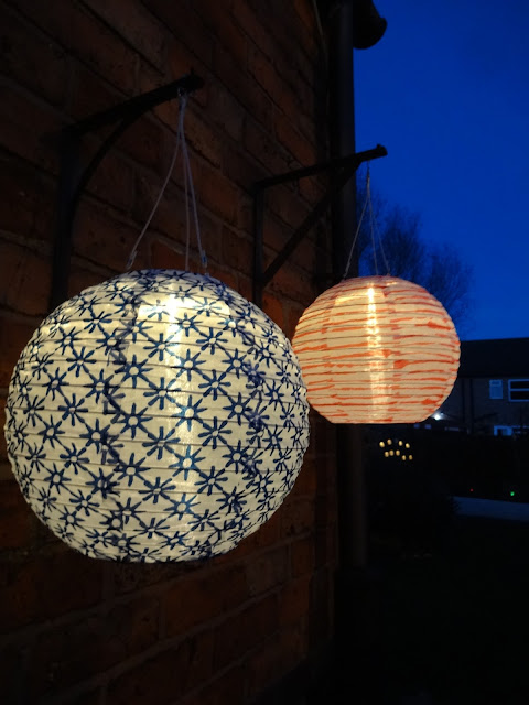 ikea solar lanterns at night