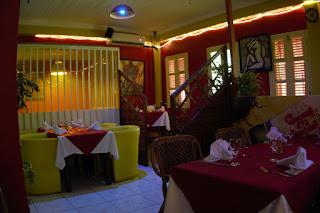 Intérieur du restaurant The Yellow à Fort de France, Martinique.