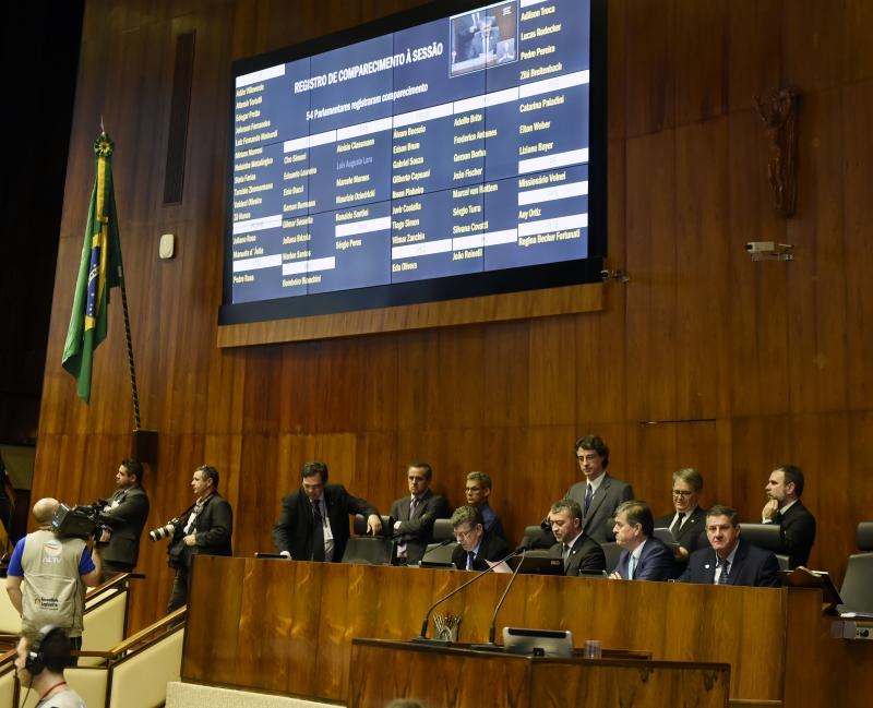 Além da LDO, foram aprovadas duas PECs, em primeiro turno, e dois projetos de lei complementar - Foto: Guerreiro/Agência ALRS