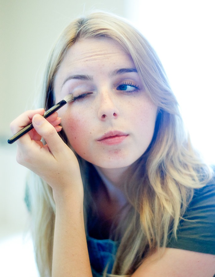 How to Apply a Natural Smokey Eye, Vancouver Beauty Blog, Vancouver Style Blog, Vancouver health blog, Vancouver fitness blog, Vancouver Outfit Blog