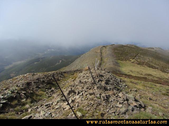 Ruta Pico Cellón. Cima del Cellón, vista al Oeste